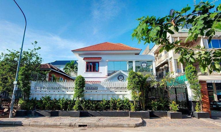 lovely jubbly villa phnom penh rh lovely jubbly villa hotel phnompenh com